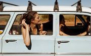 Girls travel friends young happy van independent muymuyfeliz